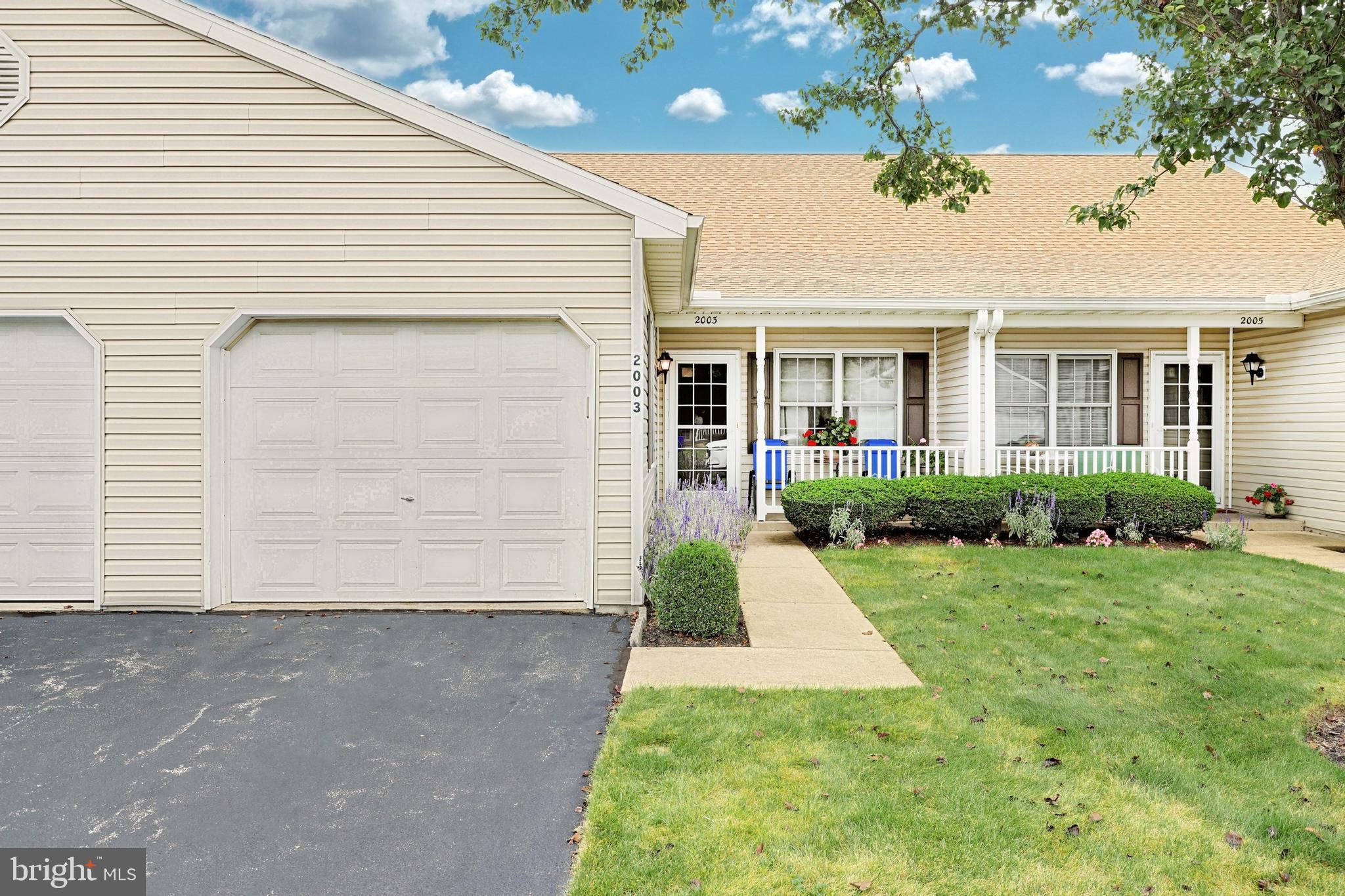 2003 Village Circle E, York, PA 17404