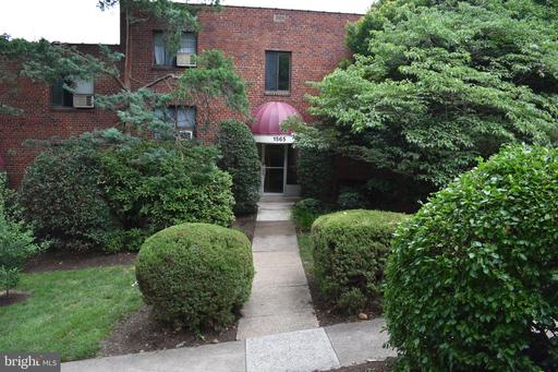 Colonial Terrace N #103