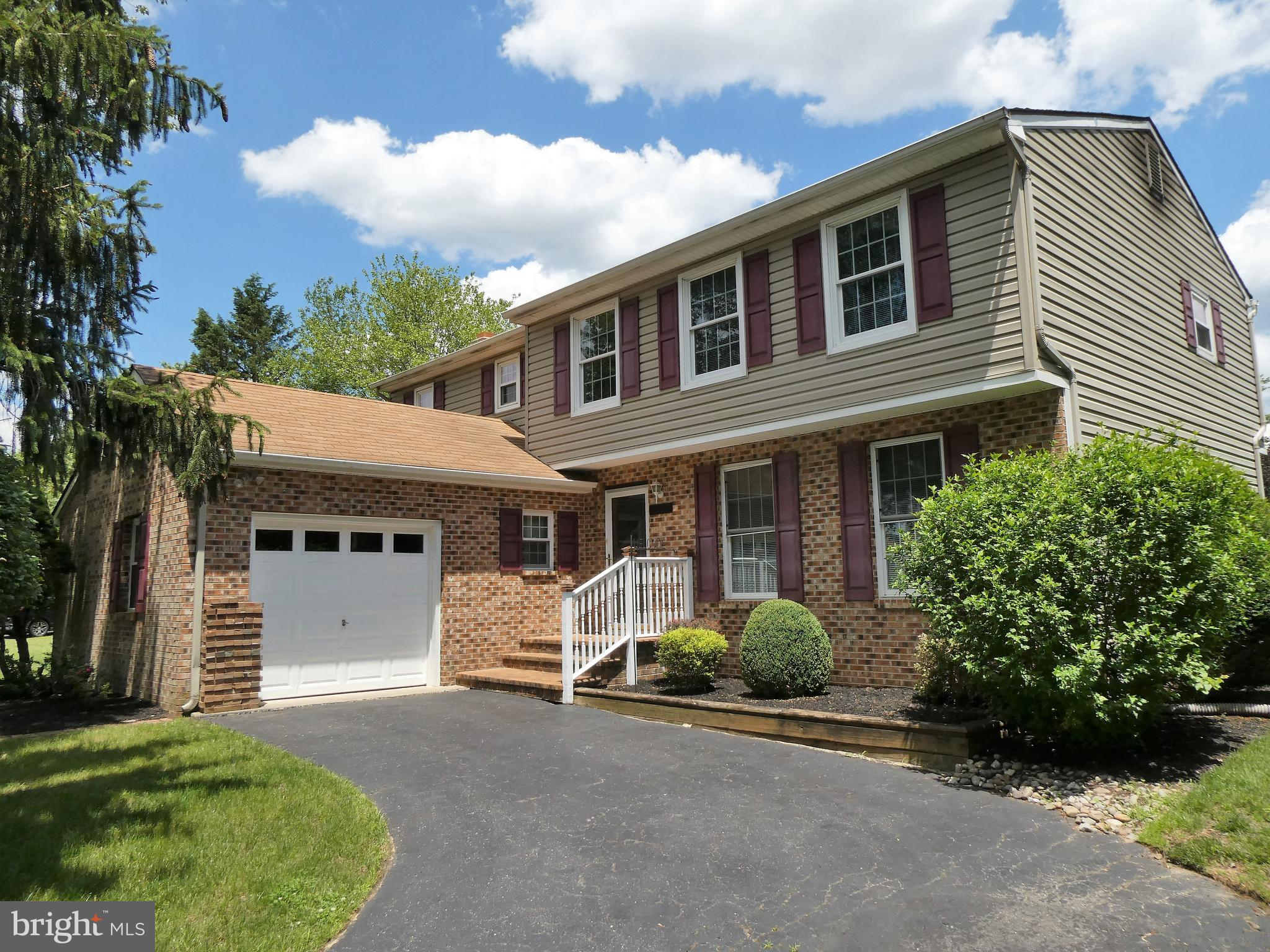 Final and best due by 3:00 today 6/28.  This is the home of your dreams! Impeccable 2 story Colonial with 4 bedrooms, 2.5 baths, 25 x 12 Kitchen, 18 x 16 Great Room with brick fireplace, 18 x 11 Dining room, 24 x 22 Finished basement, 19 x 15 Formal Dining room. Gas heat, central air, 1 car garage and 18 x 36 inground pool. Brick and vinyl exterior siding. Windows, heat and air newer within the last 10 years. Quiet community, near everything. Beautiful hardwood floors in many parts of the home.