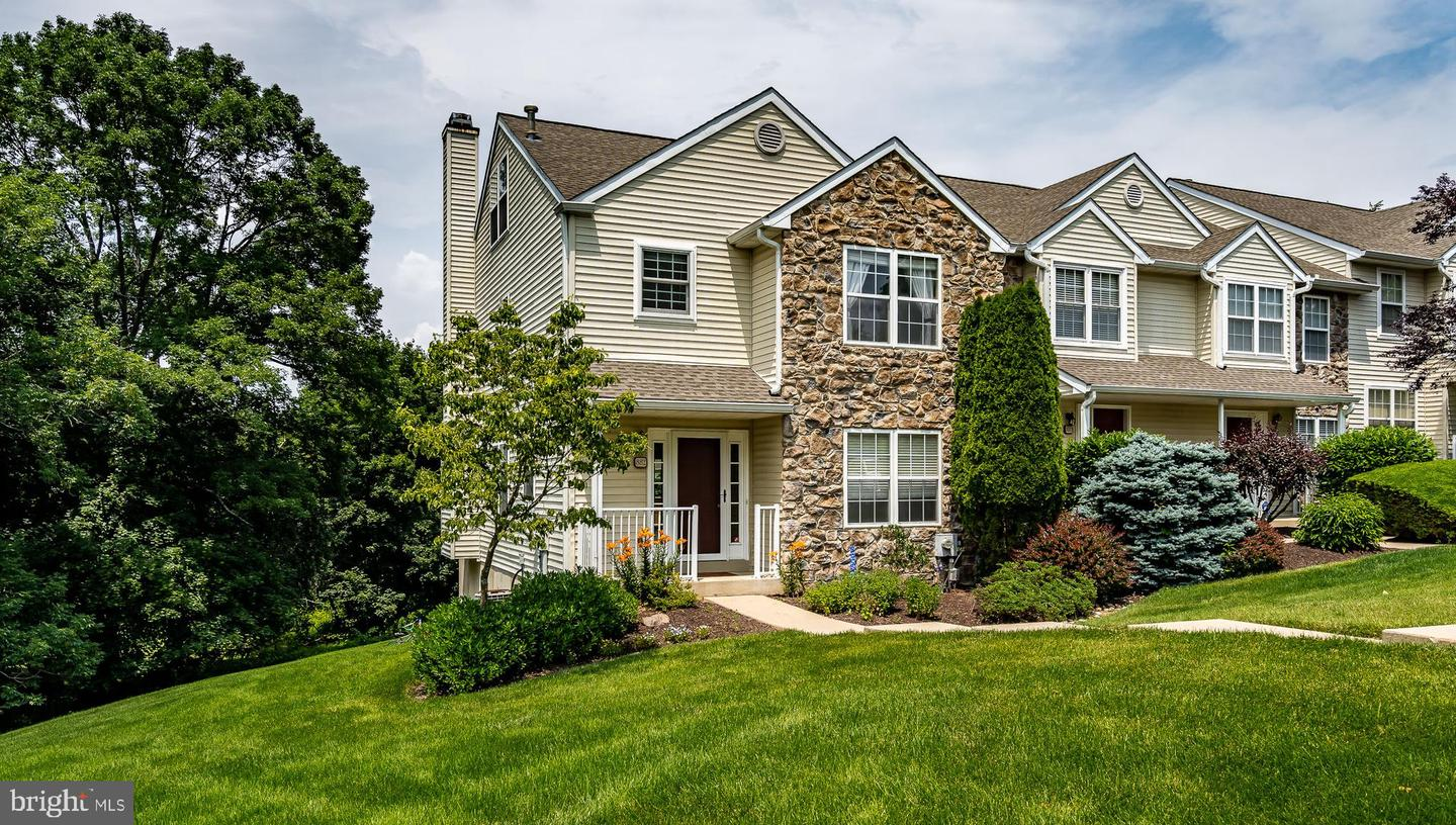 882 Amber Lane West Chester, PA 19382