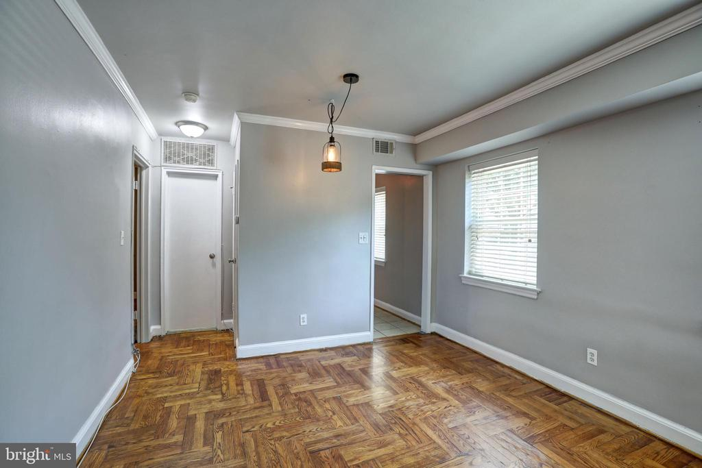 Photo of 1301 N Ode St #125