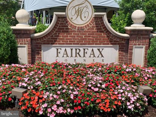 4032 Fairfax Center Hunt Trl Fairfax VA 22030