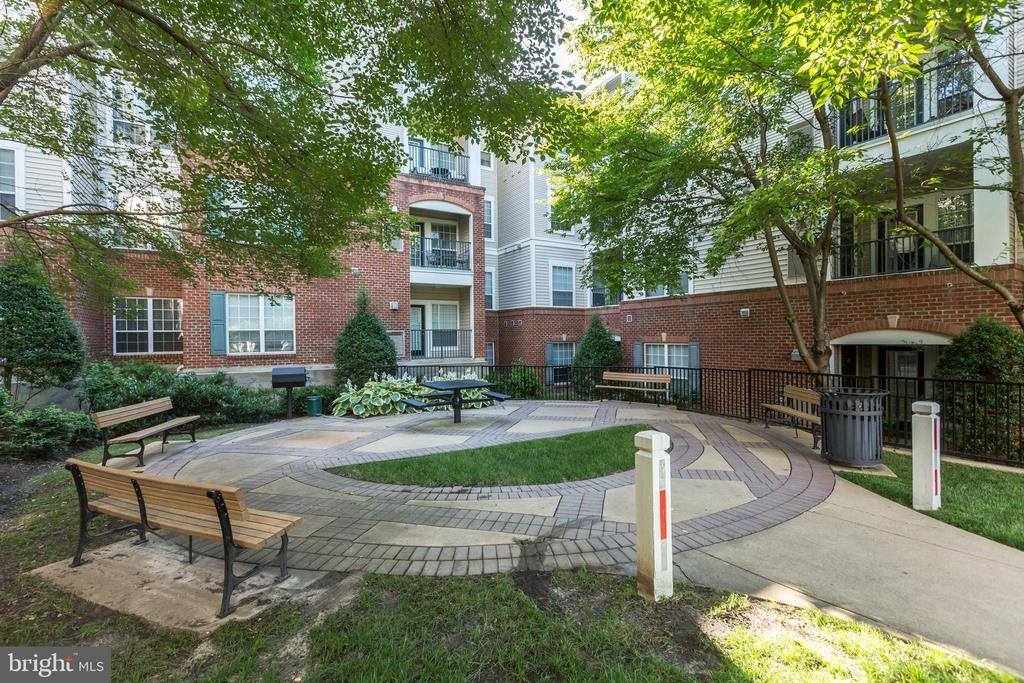 Photo of 4854 Eisenhower Ave #252