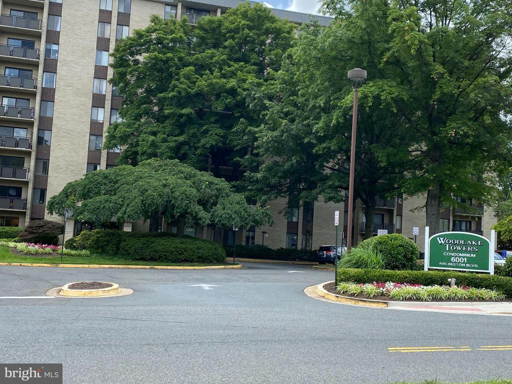 6001 Arlington Blvd #406, Falls Church, VA 22044