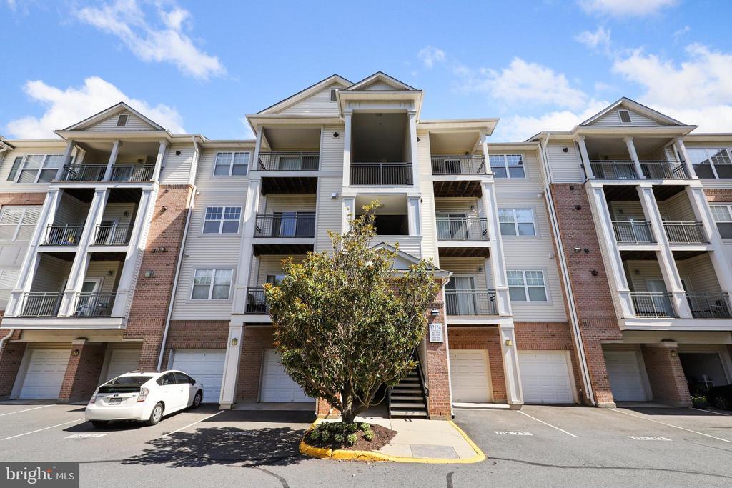 12124 Garden Ridge Ln #304, Fairfax, VA 22030