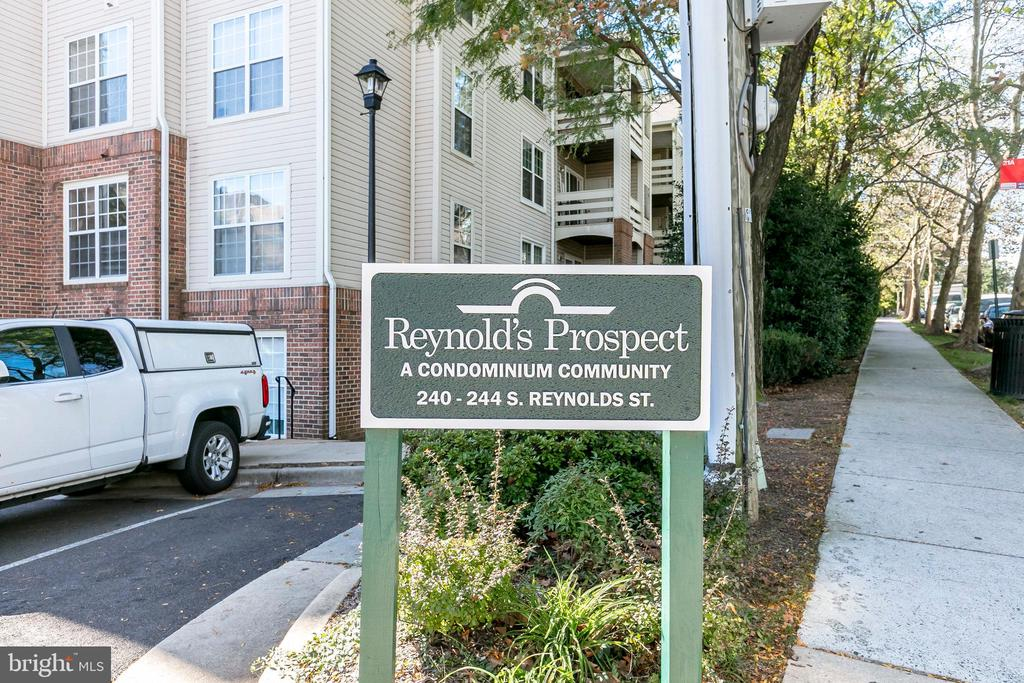 Photo of 244 S Reynolds St #209