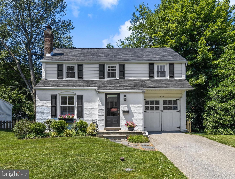 128 Hickory Lane Bryn Mawr, PA 19010