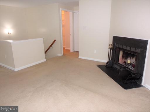 14443 Gringsby Ct Centreville VA 20120