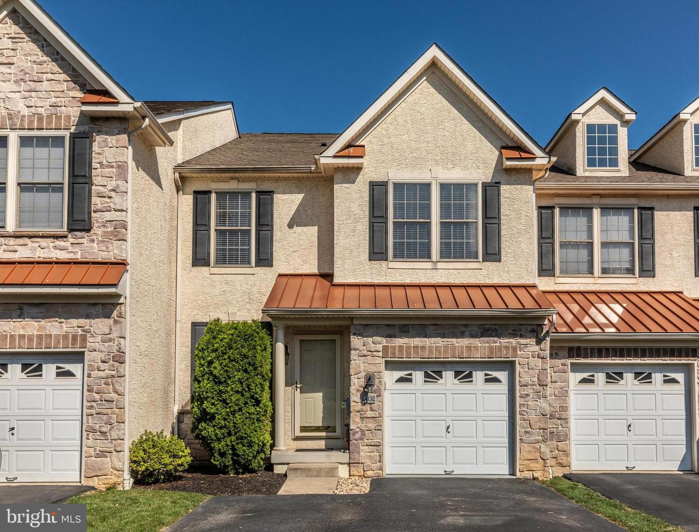 Conshohocken                                                                      , PA - $519,000