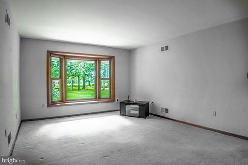 15520 Brim Ln Centreville VA 20121