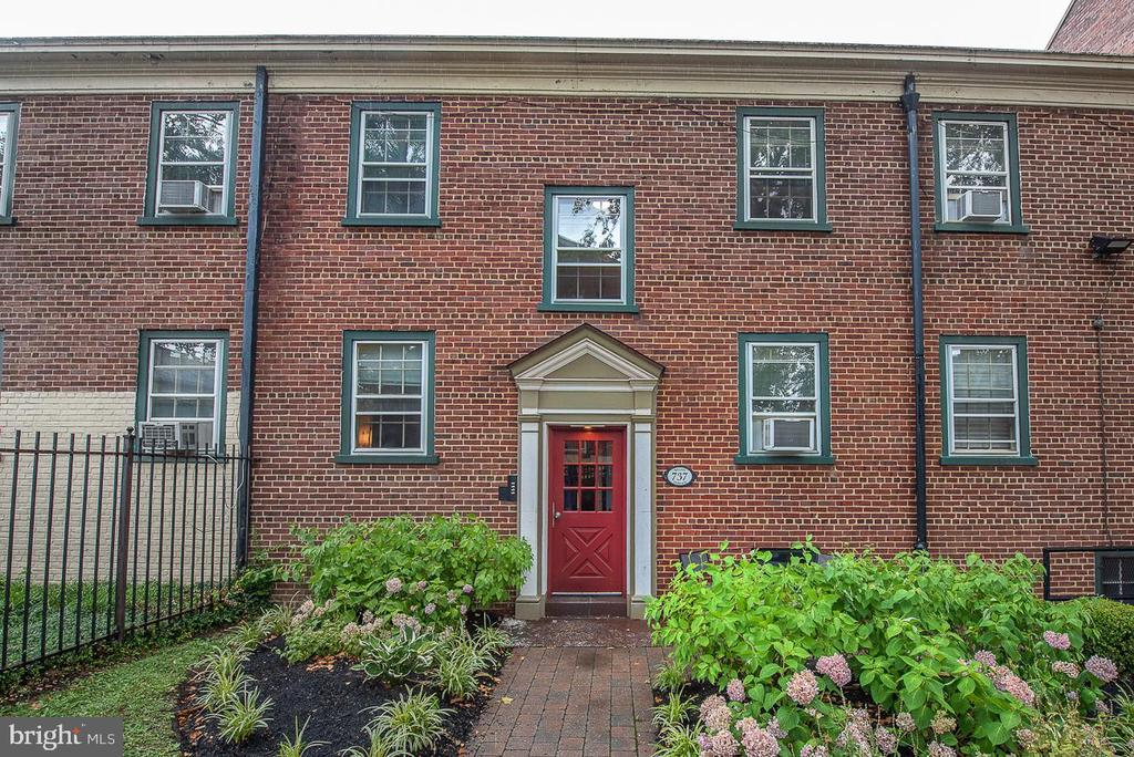 3 Bedroom/1 bath renovated condo unit with 1 Car assigned parking (#21) in Liberties West Condos, a fully gated community with courtyard views, quaint walkways, and lovely landscaping. Hardwood flooring throughout, open living/dining area, bright kitchen with dishwasher and garbage disposal, coin op washer and dryer in basement along with individual extra storage space. All this convenient to Center City, restaurants, shopping, nightlife and public transportation. Condo fee includes Heat and Hot Water! This unit does have 1 ac unit included.  Current tenant rents for $1,225/mo.