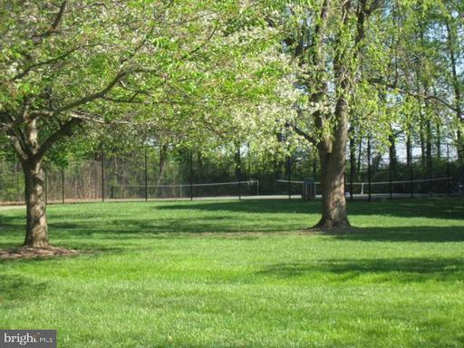 9824 Oakdale Woods Ct Vienna VA 22181