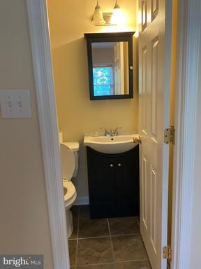 14868 Lambeth Sq Centreville VA 20120