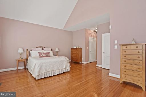 43753 Castle Pines Ter Ashburn VA 20147