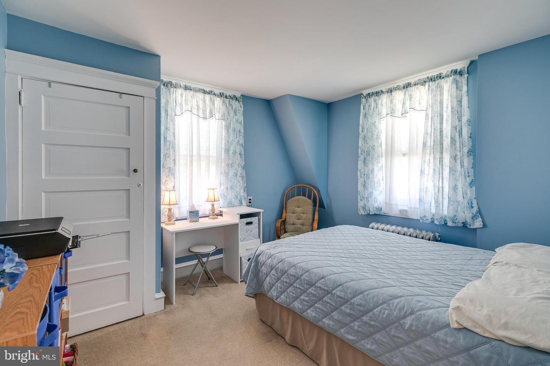 564 Woodside Avenue Berwyn , PA 19312