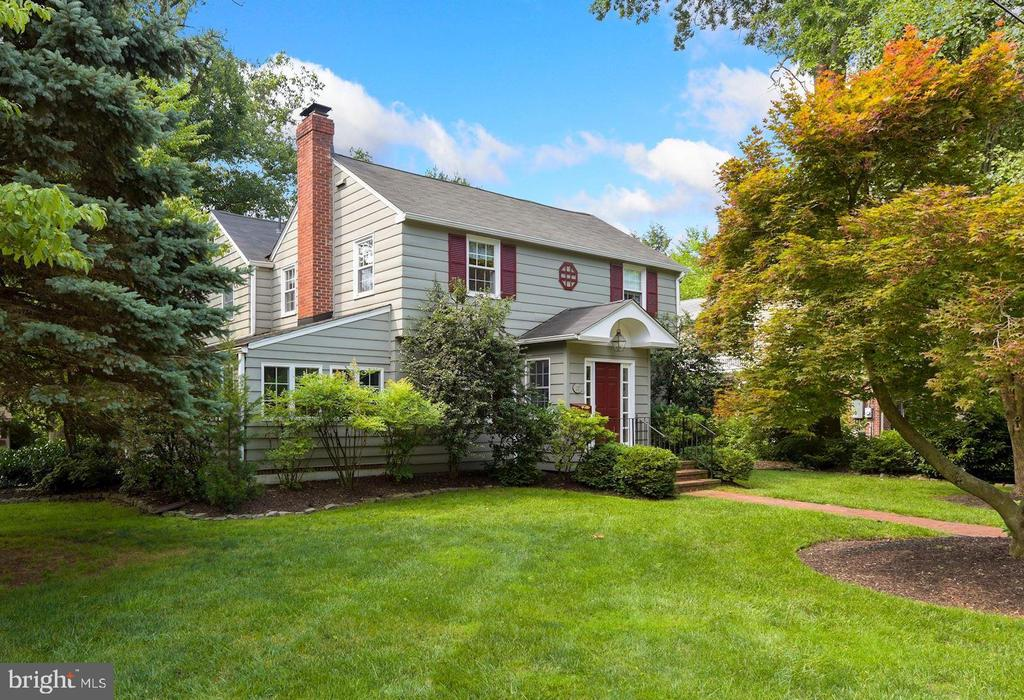 Nestled in the heart of Moorestown, this classic center hall colonial has been meticulously maintained and updated.  Boasting spacious rooms with gleaming hardwood floors and large windows, quality craftsmanship and attention to detail are evident throughout. A gracious entrance foyer invites you in, flanked by a large dining room on the right and a living room with fireplace on the left. Beyond the living room is a bright sunroom, currently used as a study.  French doors lead from living room to the spacious family room. A handsome mud room with cedar ceiling offers storage and an outside entrance from the driveway. The eat-in kitchen offers an island and an abundance of cabinet and counter space. There is a recently remodeled powder room and plenty of storage nearby. The sliding door from the kitchen leads to the brick patio and beautifully landscaped, private fenced yard. Upstairs are four bedrooms, including the primary suite with updated private bath, and a hall bathroom. An attractive partially finished full basement also provides additional storage and a workbench area. Located in Valley Stream, one of Moorestown's most desirable neighborhoods, the house is an easy walk to Main St, Strawbridge Lake, and parks - don't miss the opportunity to call this HOME!