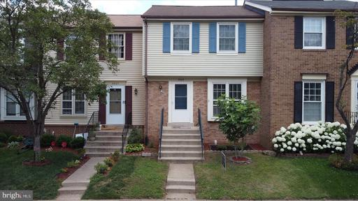 5909 Grisby House Ct Centreville VA 20120