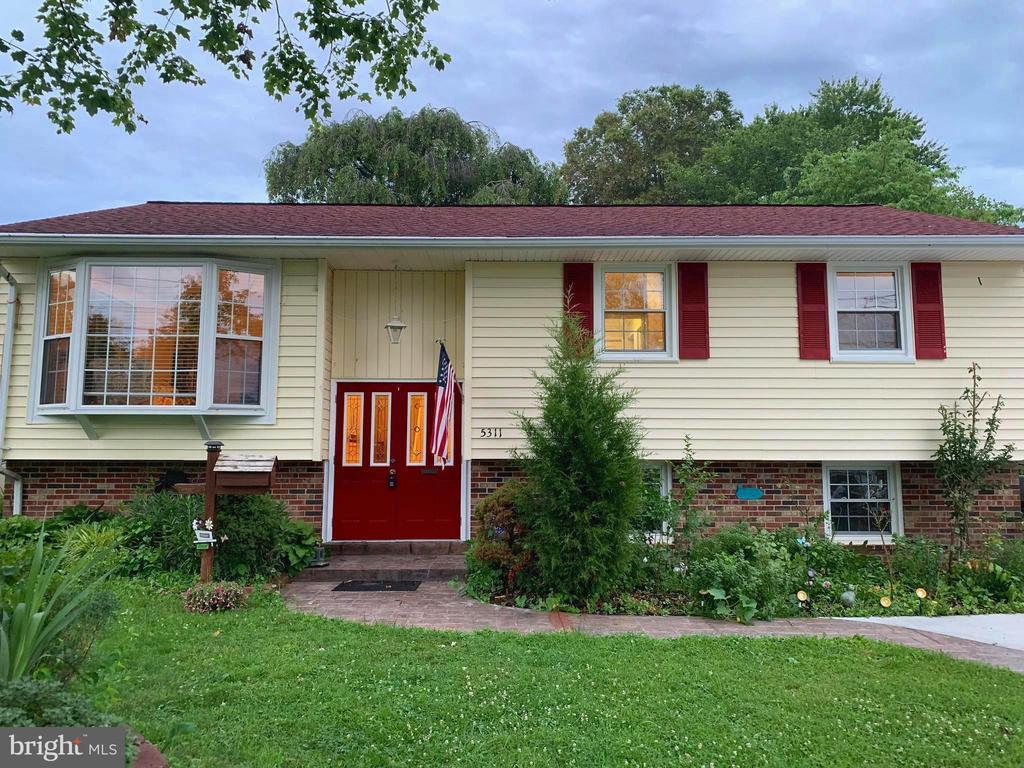 5311 Oldcastle Ln, Springfield, VA 22151