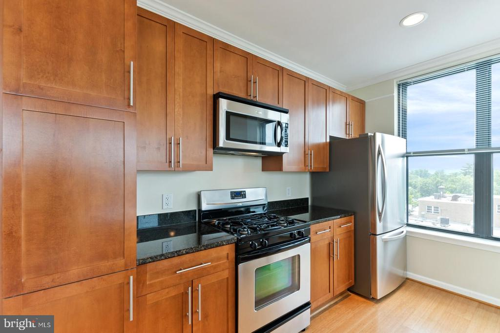 Photo of 444 W Broad St #605