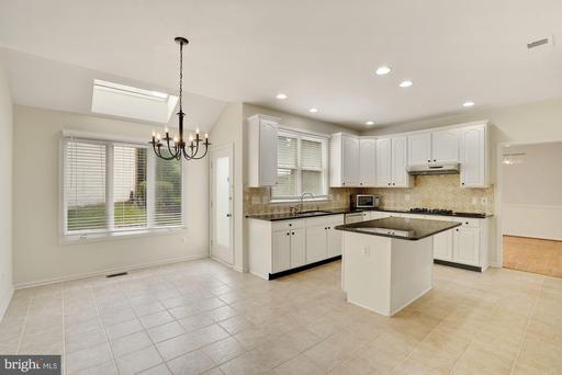 3785 Avenel Ct, Fairfax 22033