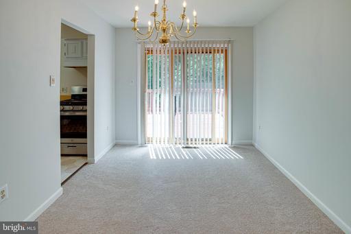 14215 Lindendale Rd Woodbridge VA 22193