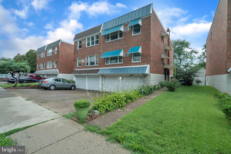 10786 Lockart Road Philadelphia, PA 19116