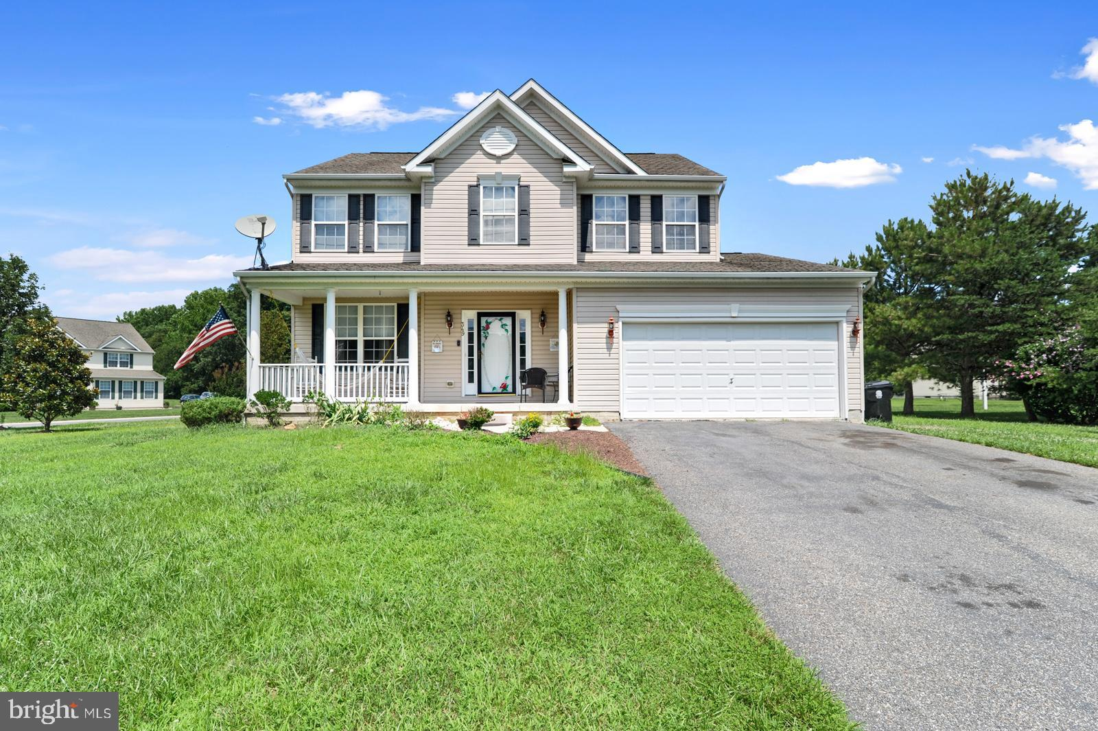 Welcome home to the highly desirable and well established community of Otter Run! This beautiful, 2-story contemporary home sits on over half an acre corner lot and offers 4 bedrooms, 2.5 bathrooms, living room, dining room, family room with a gas fireplace and finished basement. The kitchen has a newer stainless fridge, granite counters, gas cooking, microwave, island, dining space, pantry, and access to the large backyard. The master suite includes two closets, one being a walk-in with closet organizers, master bath with soaker tub, separate shower, and dual vanity. Three additional bedrooms and full bath with dual sinks round out the upstairs. The tiled basement with walk-out will provide great entertaining space, playroom, or man cave and has plenty of storage areas. Located in the Lake Forest School District, minutes from Delaware's popular beaches, shopping centers, restaurants, with convenient/quick access to Routes 1 & 13, and less than 10-miles to Dover Air Force Base. Hurry and schedule a showing today before this lovely gem is no longer available!