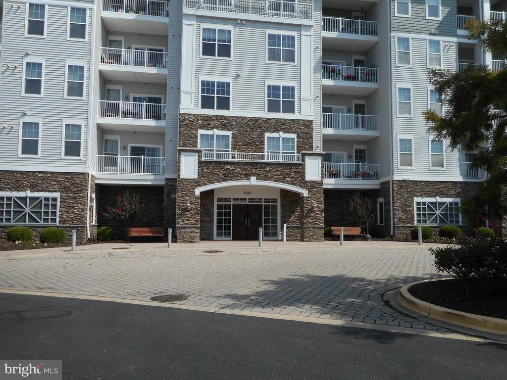 This immaculate 2 bedroom, 2 bath condo offers the easiest Eastern Shore lifestyle opportunity. All the outside work is done, so enjoy the pool, take a walk, or sit on your balcony and take in  the view overlooking the marina and creek.  A short stroll to downtown Cambridge with all of the  restaurants, live music and shopping, and frequent events and festivals . Groove City has so much to offer and more expansion coming!