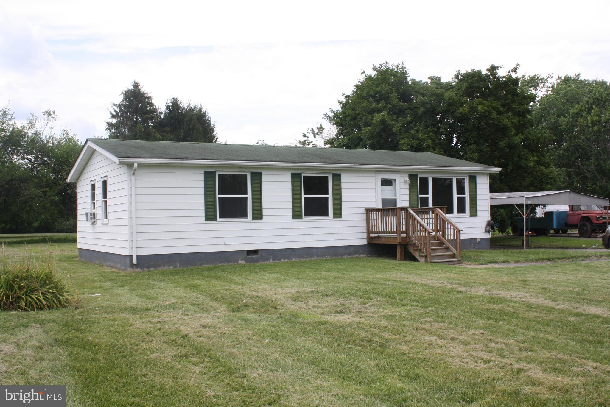 Quaint 1000 Square foot three bedroom one bath home on one acre in the quaint village of Port Penn. Just painted and ready to move into.
