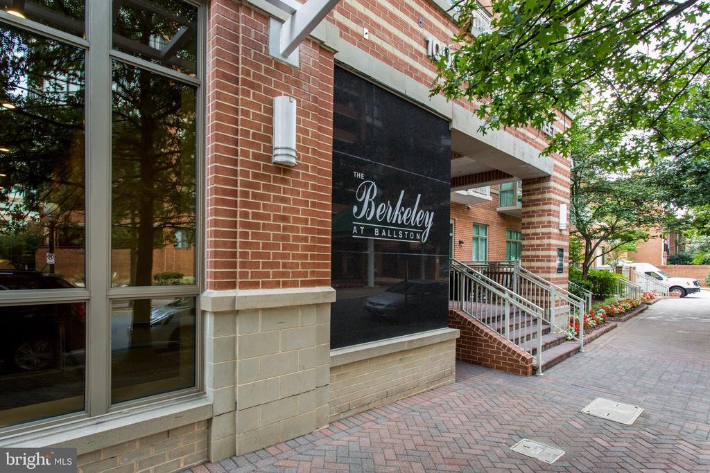 1000 Randolph St N #207, Arlington, VA 22201