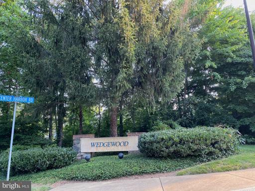 1256 Wedgewood Manor Way Reston VA 20194