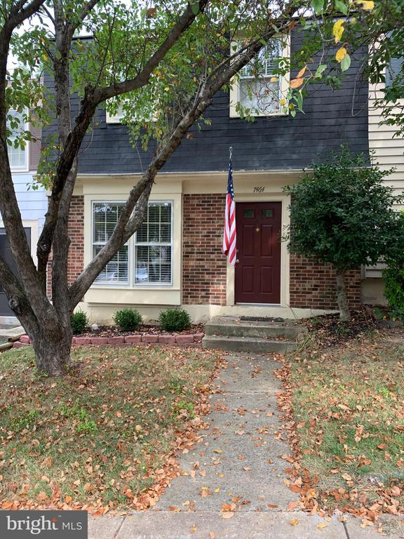 Photo of 7464 Towchester Ct