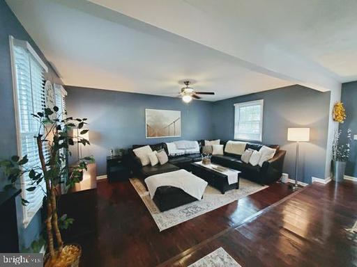 5809 Ottawa Rd Centreville VA 20120
