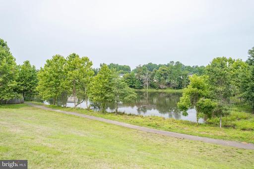 5035 Wet Rock Ct Woodbridge VA 22193