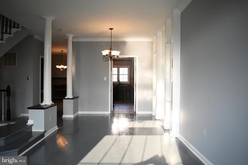 14604 Woodgate Manor Cir Centreville VA 20120