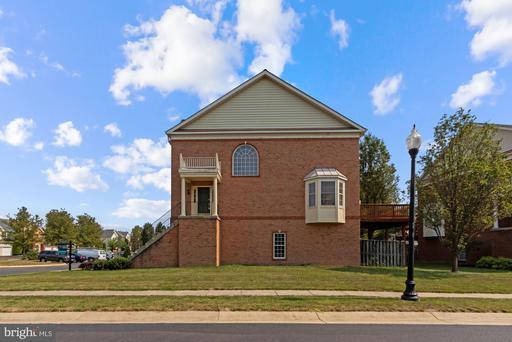 25927 Kirkwood Sq Chantilly VA 20152
