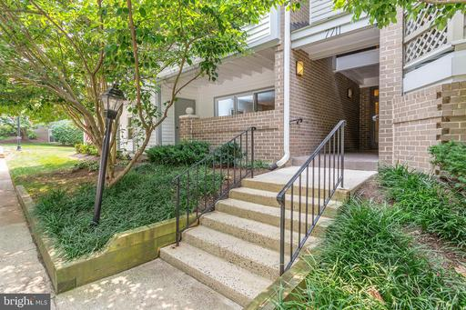 7711 Lafayette Forest Dr #11