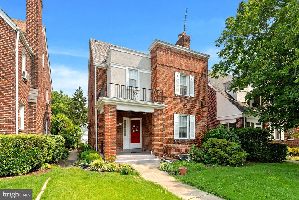 Well maintained 4 bedroom, 2.5 bath colonial style has a fully upgraded kitchen, Fully finished basement with a 2nd gas stove and refrigerator. Nice BIG backyard for outdoor entertaining. Original hardwood floors throughout the top 3 floors, tile flooring in the basement with a potential Income Unit or a Home Office. Minutes to Brookland Metro and more!!! Open House Saturday 7/31/21 from 12-2pm.