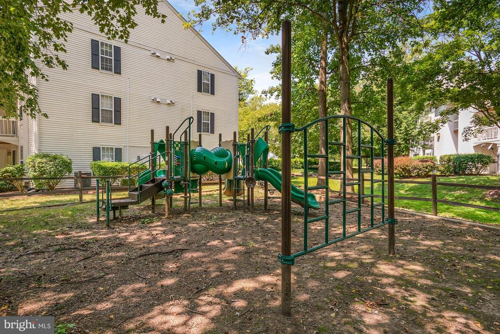 Photo of 5704 Olde Mill Ct #134