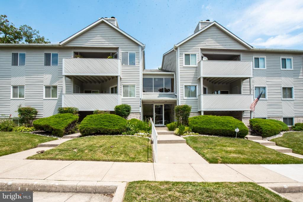 Top floor condo with 2 bedrooms and 2 full bath with balcony living room dining room combo. Master suite with master bath and dual closets, nice size second bedroom and 2nd bath. The private balcony that looks into shallow woods is perfect for morning coffee or relaxing with a good book on a lazy weekend day. Convenient to shops and 695 Secure entry to building via code and intercom system.