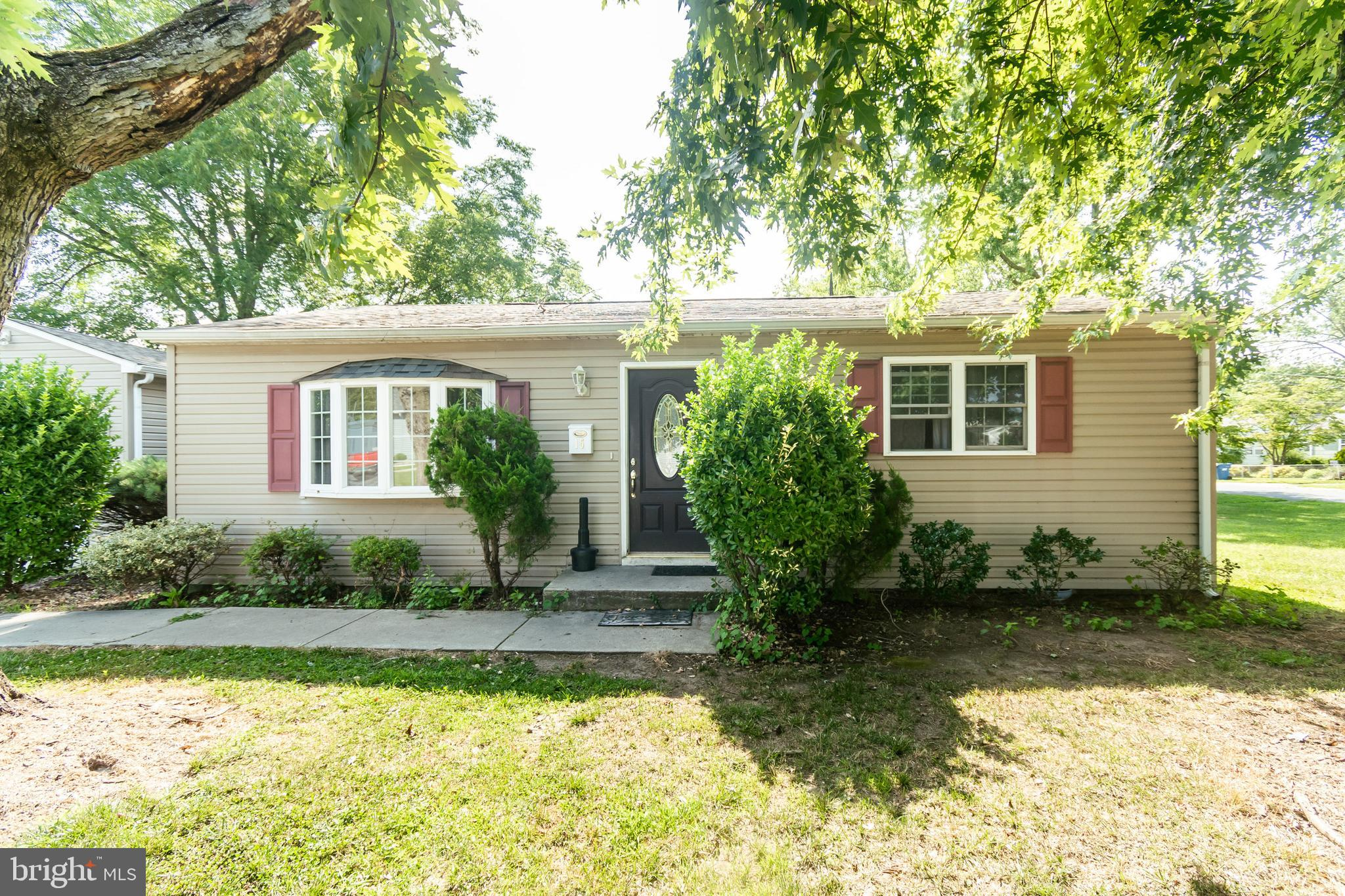 Come check out this great 3 bed 1.5 bath ranch home in Camden! Recently remodeled, the home offers hardwood floors, neutral walls, stainless steel appliances, new cabinets, attached one car garage, large yard, shade trees, and more in Caesar Rodney school district. Make your appt today! tenant in place, minimum 48 hours notice for showings.