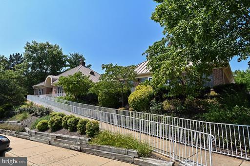 6453 Mccoy Rd Centreville VA 20121
