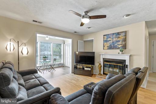 10150 Oakton Terrace Rd #10150