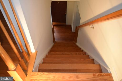 14355 Maple Rock Ct Centreville VA 20121