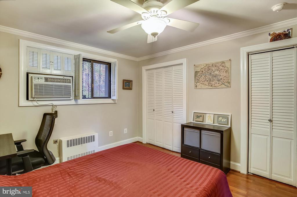 Photo of 1593 N Colonial Ter #205-X