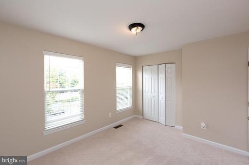 4330 Sutler Hill Sq Fairfax VA 22033