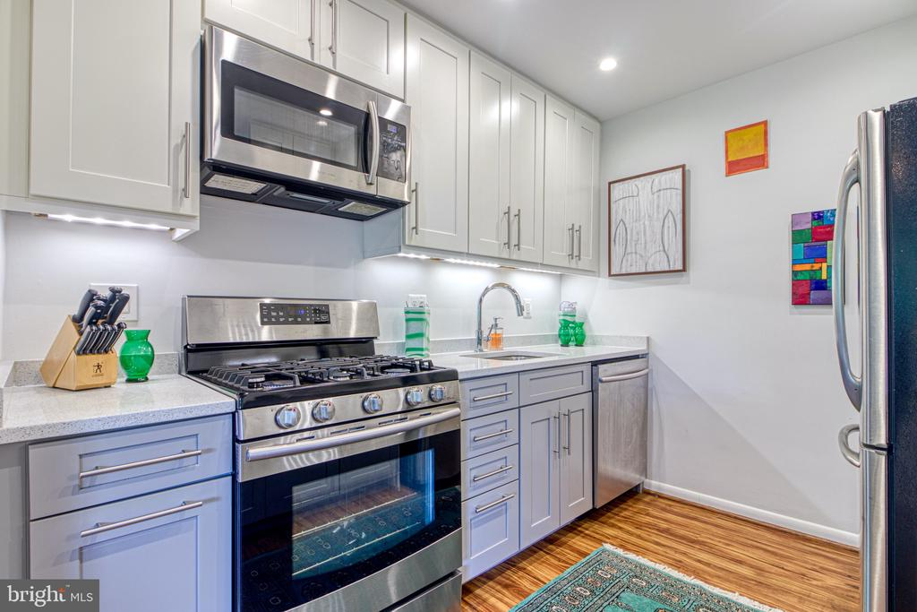 Photo of 200 N Maple Ave #305