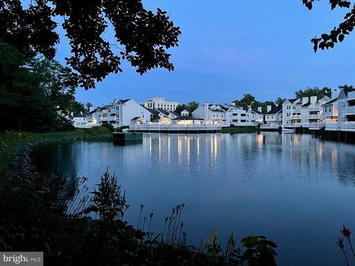 3413 Lakeside View Dr #17-3, Falls Church, VA 22041