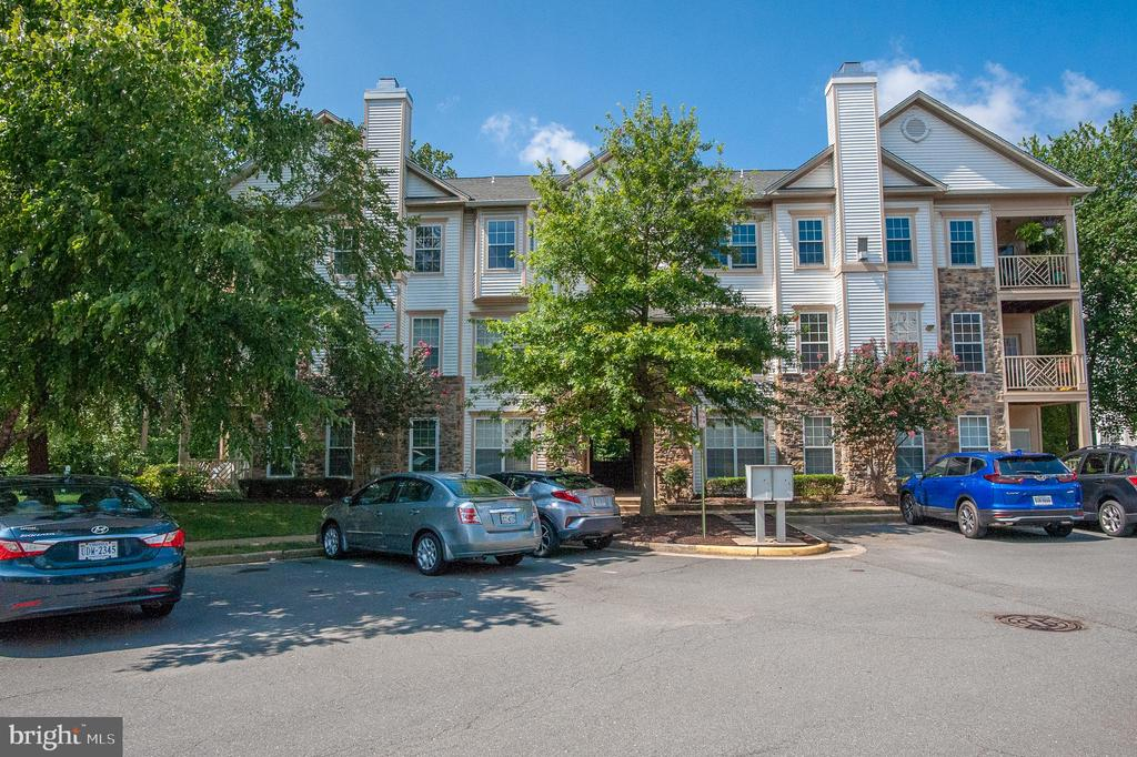 5958 Founders Hill Dr #101b