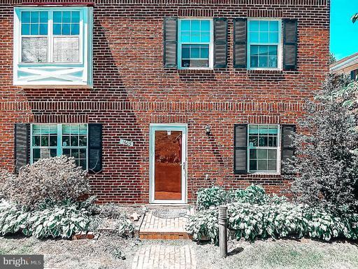 1605 S Barton St #28, Arlington, VA 22204